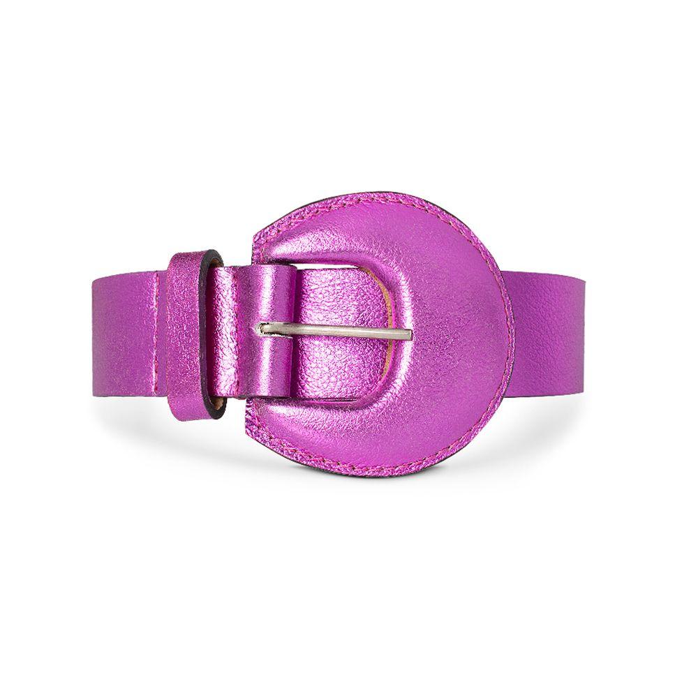 Cinto de Couro Metalizado Pink com Fivela Meia Lua Revestida