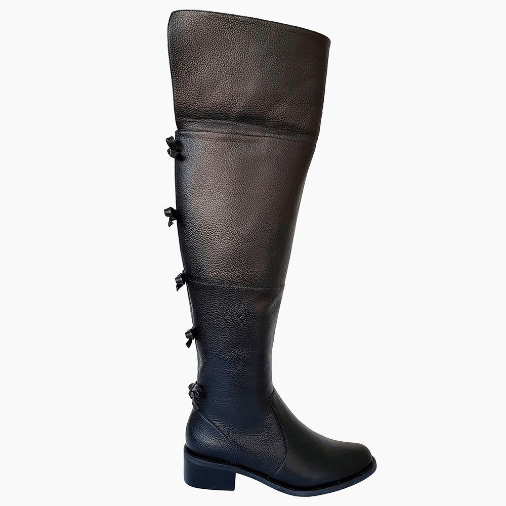Bota montaria over the knee couro bico redondo com salto baixo cano alto detalhe laços