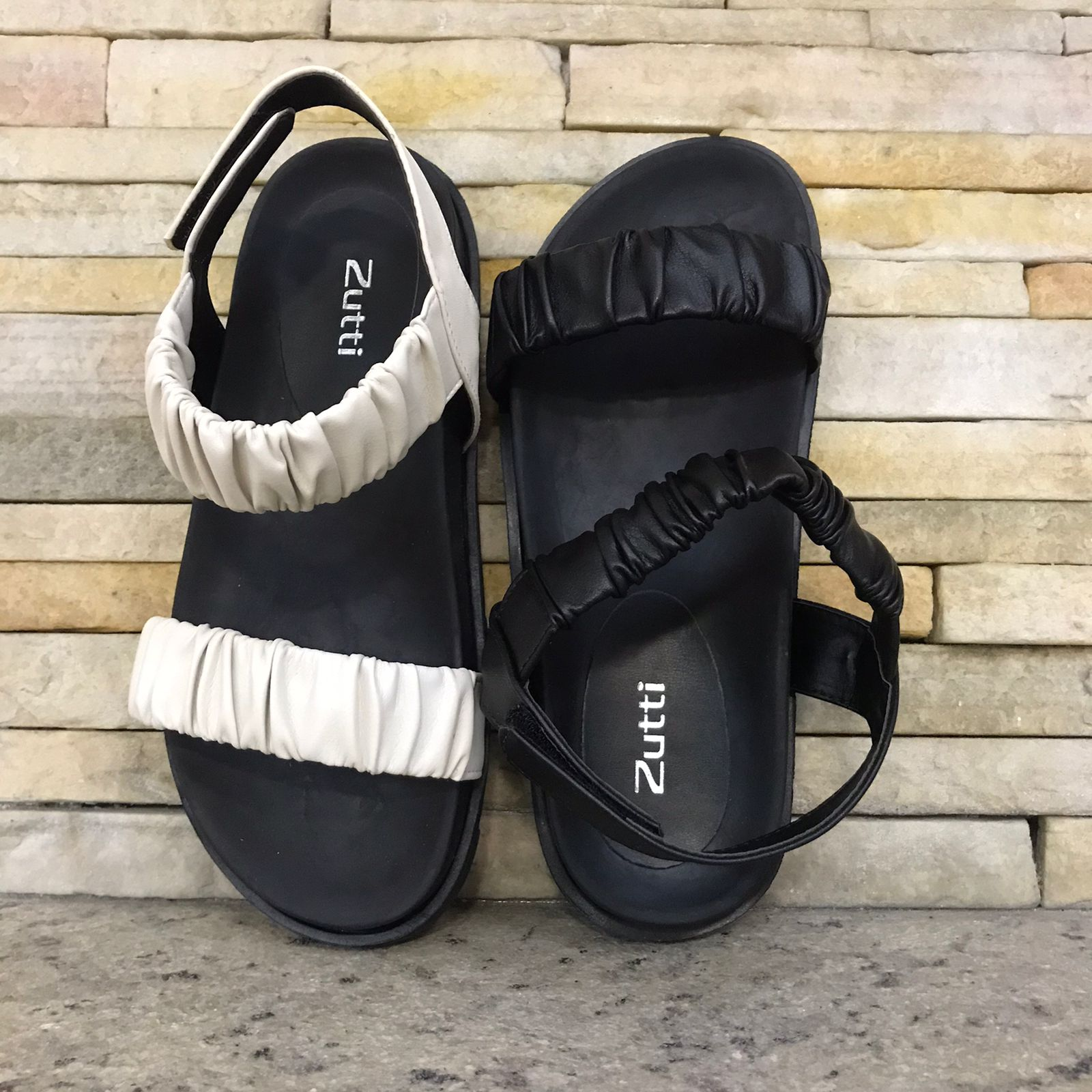 Sandália birken com tiras soft