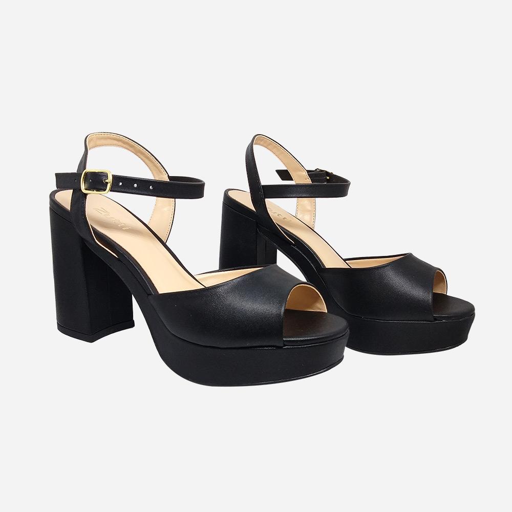 Sandália clássica meia pata salto alto grosso com tira larga
