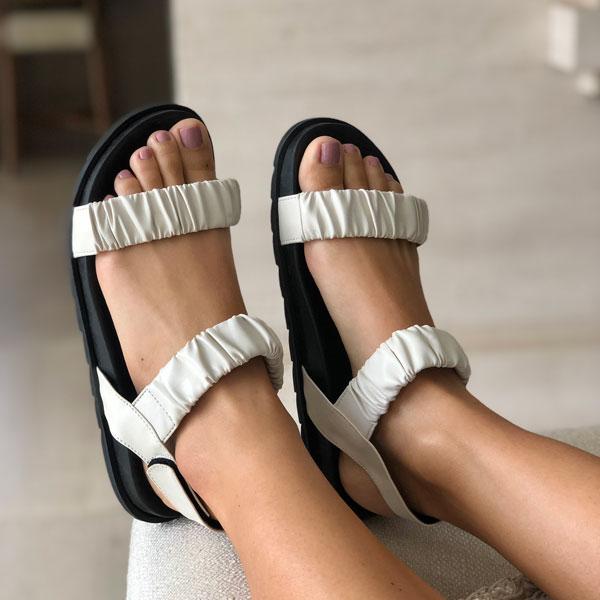 Sandália conforto com tiras soft