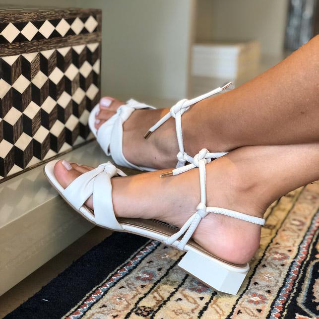 Sandália conforto com tiras soft salto baixo