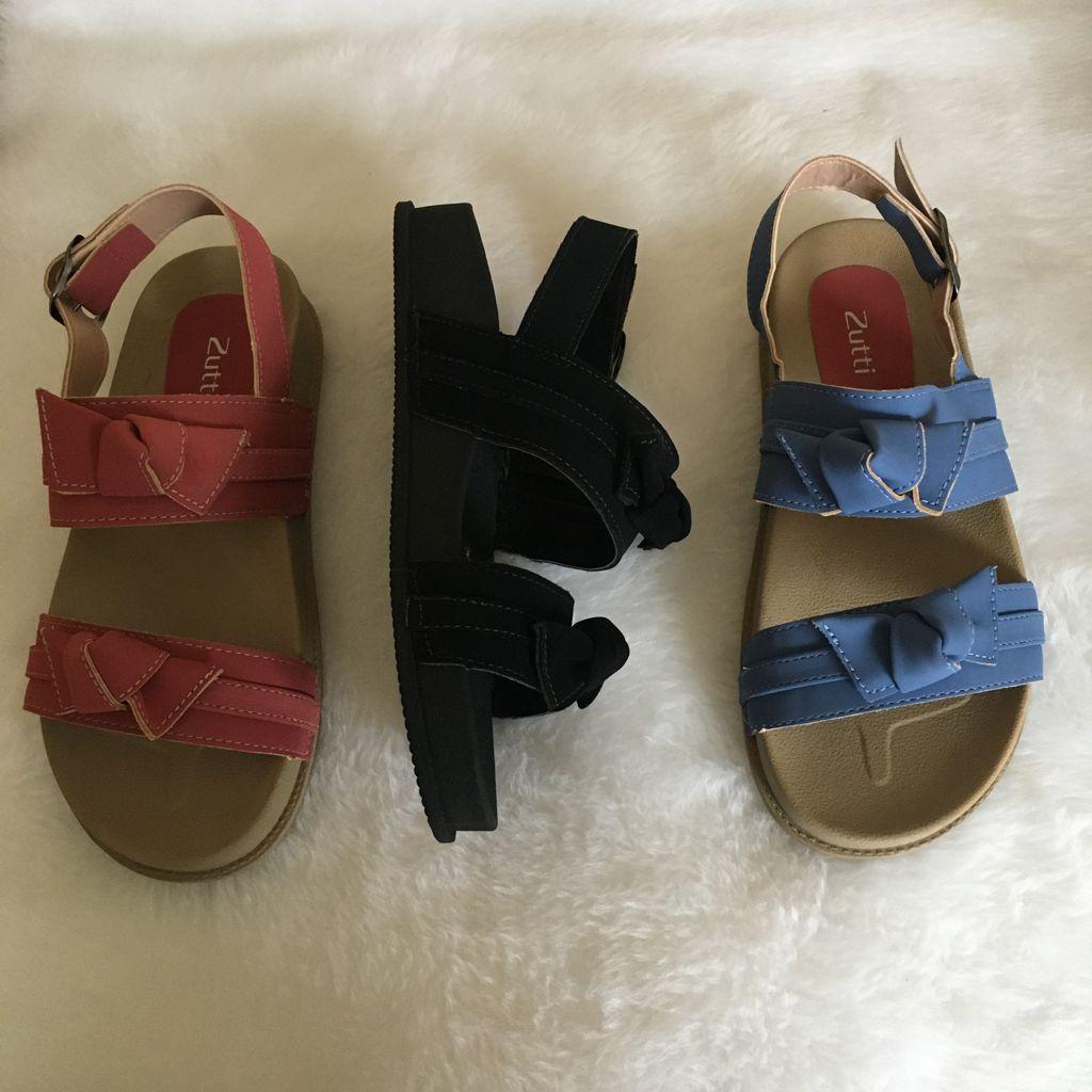 Sandália flatform conforto com laços