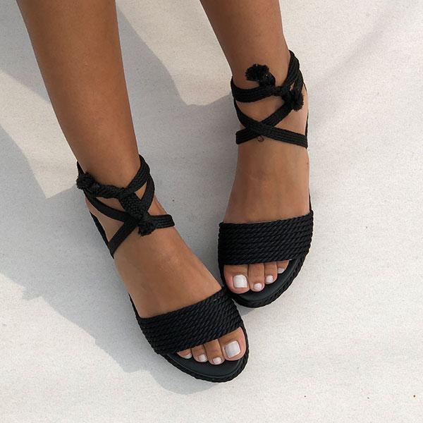 Sandália flatform conforto com tiras e amarração