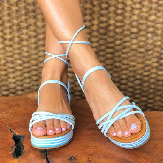 Sandália flatform conforto com tiras finas