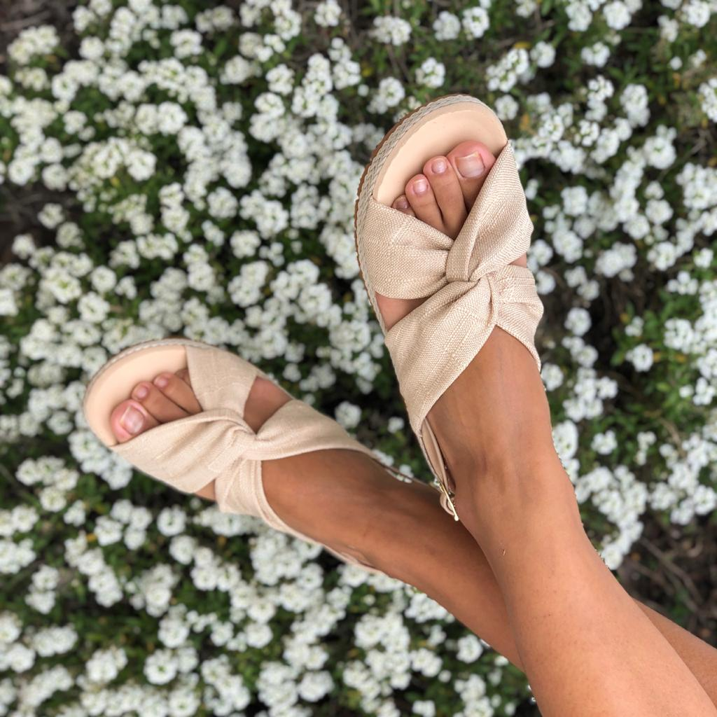 Sandália Flatform sola baixa c/ corda
