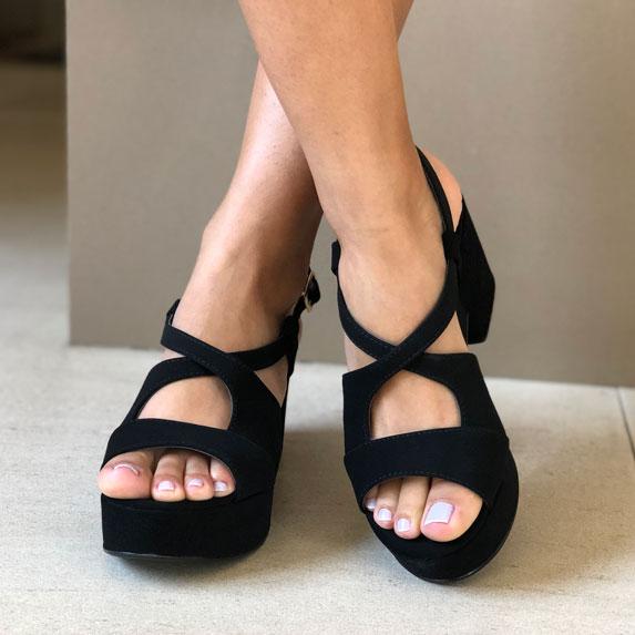 Sandália meia pata plataforma salto médio