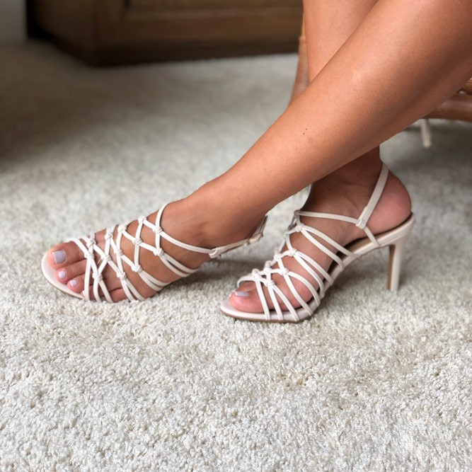 Sandália Salto Alto Fino com tiras finas