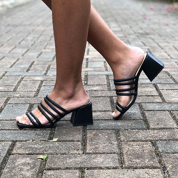 Sandália Tamanco com linha conforto salto grosso baixo com tiras finas