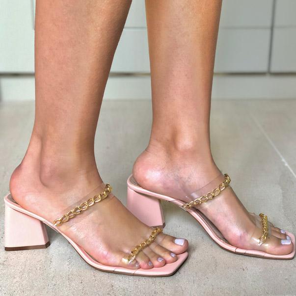 Sandália Tamanco com salto grosso médio com tiras finas