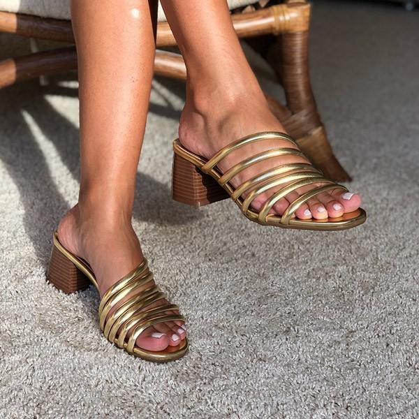 Sandália Tamanco com tiras