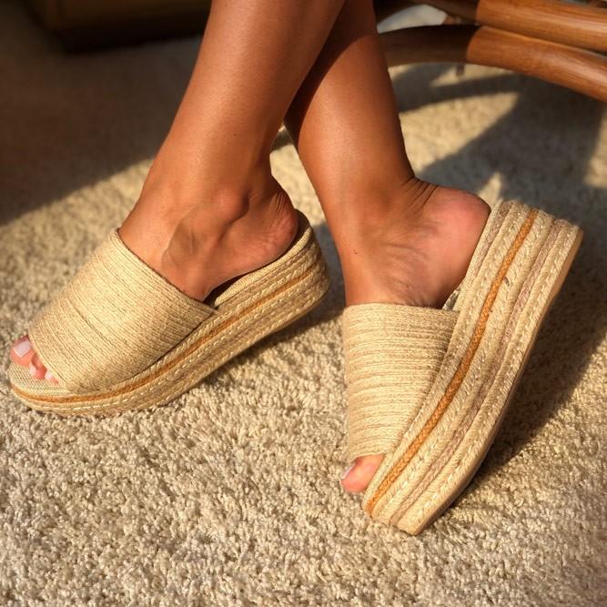 Sandália Tamanco Flatforma com detalhe em corda natural