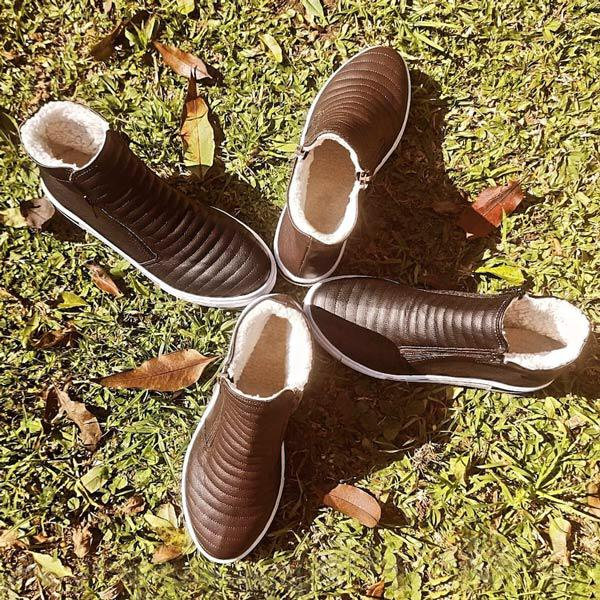 Sapatenis forma arredondada solado e cano medio