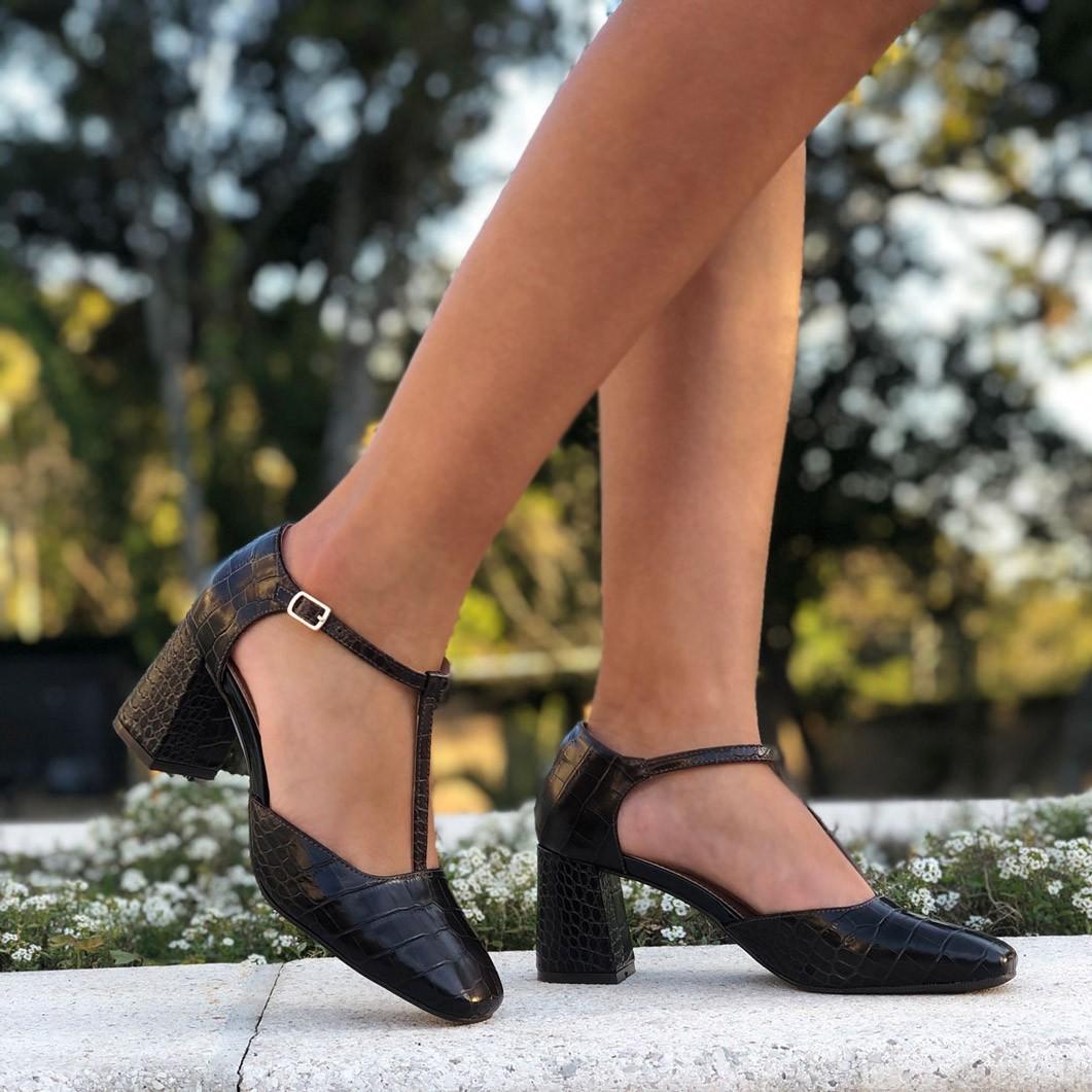 Sapato boneca bico redondo salto grosso médio