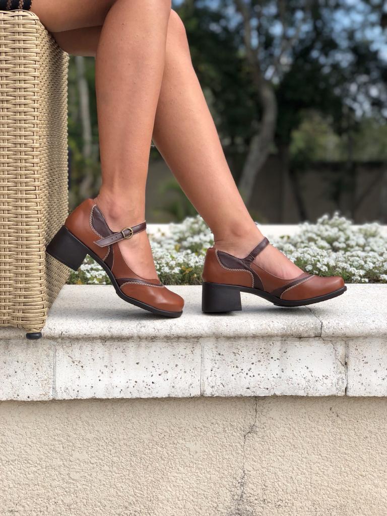 Sapato Boneca conforto bico quadrado salto baixo grosso