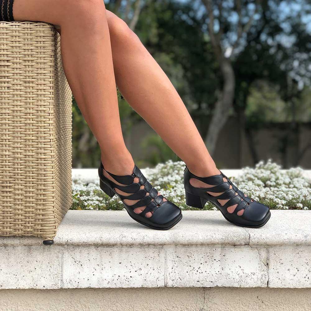 Sapato Boneca Retro salto grosso médio bico quadrado