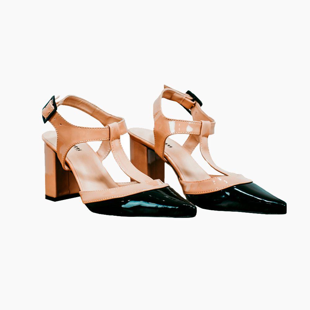 Sapato Chanel Salto médio grosso bico fino