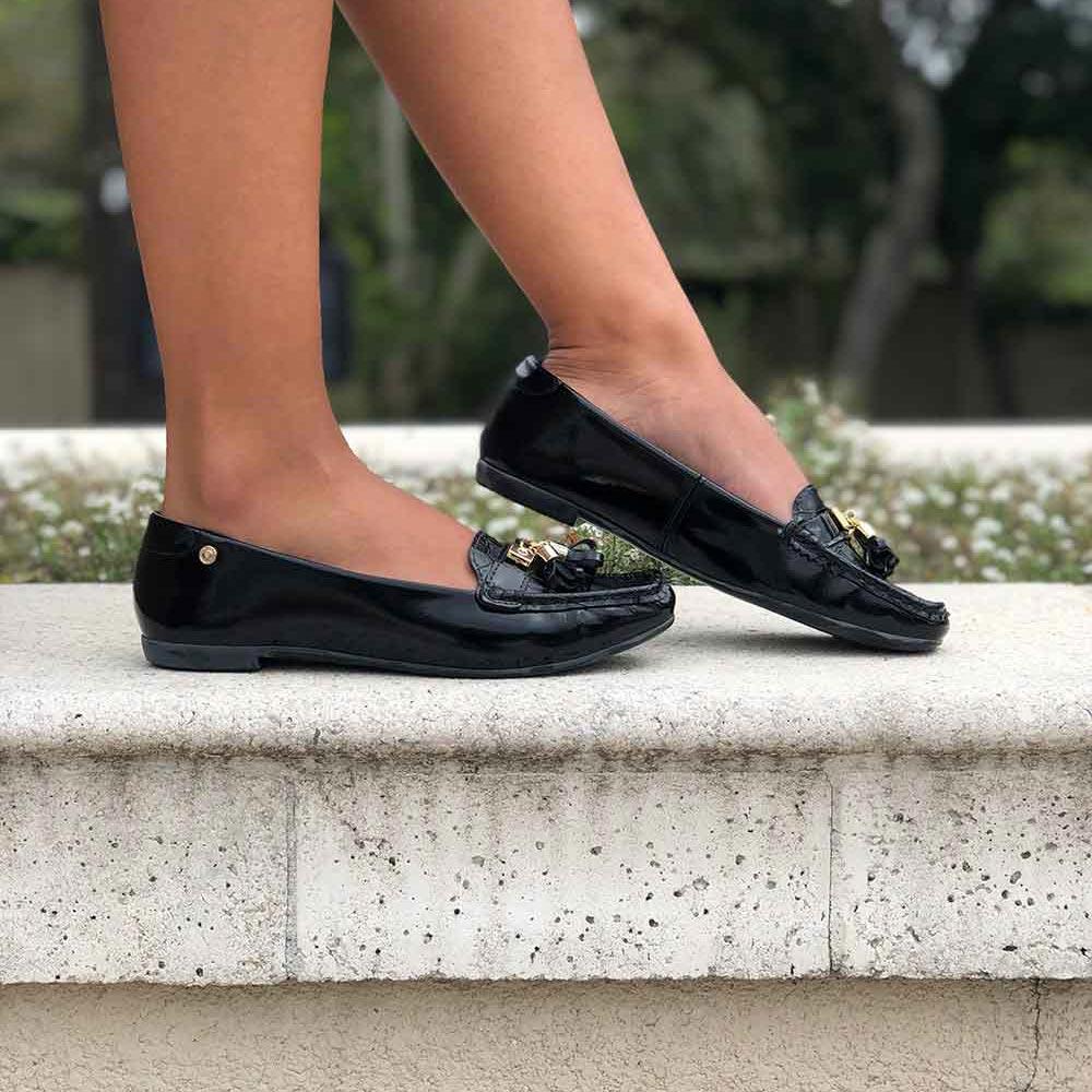 Sapato mocassim bico quadrado com barbicacho