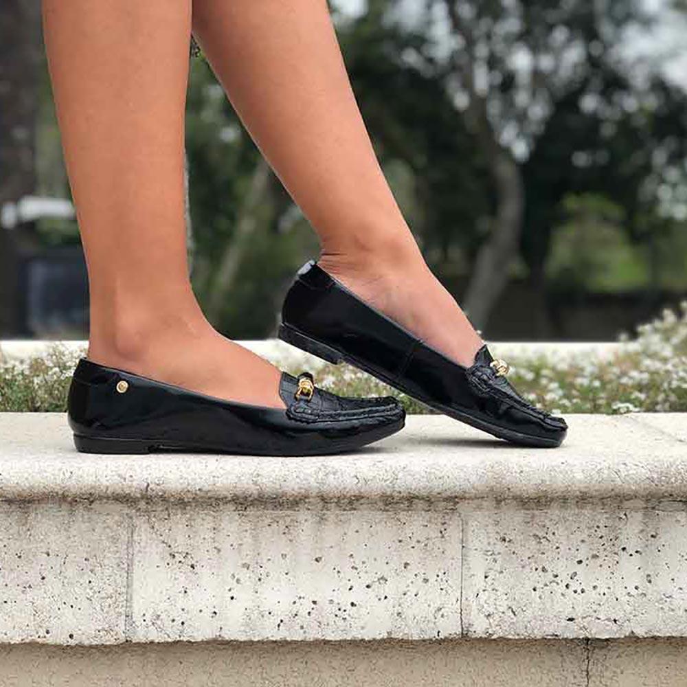 Sapato mocassim bico quadrado com detalhe