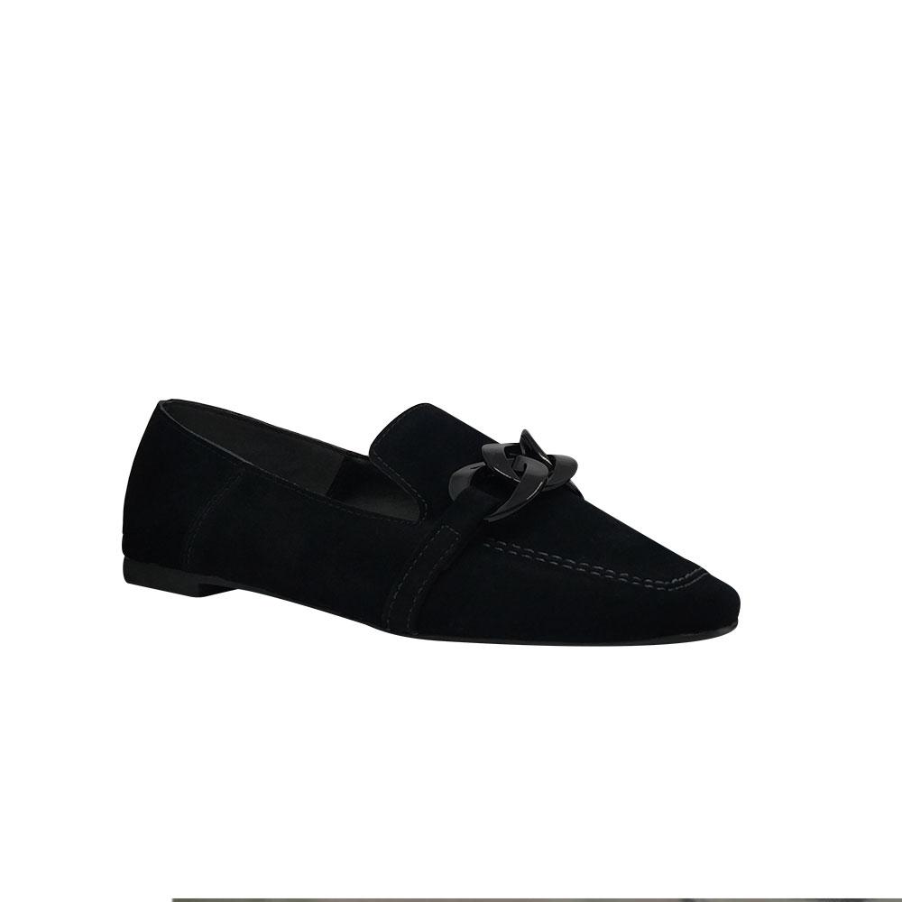 Sapato mocassim sola baixa bico quadrado com detalhe monocolor