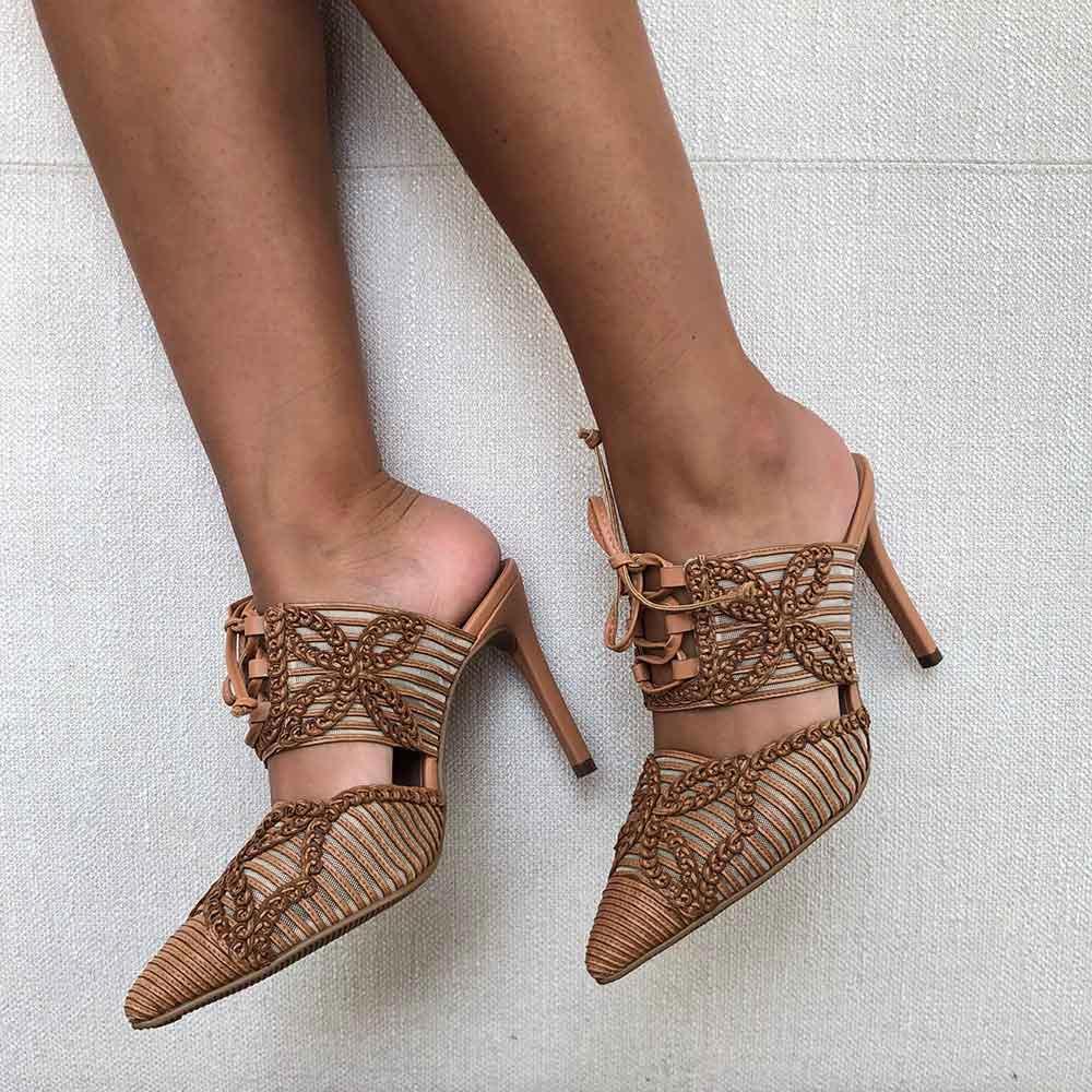 Sapato Mule bico fino salto médio fino