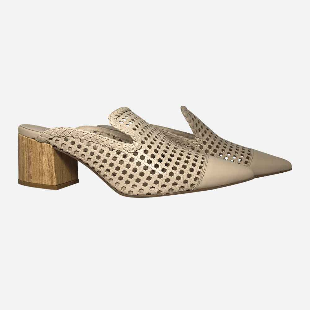 Sapato Mule bico fino salto médio grosso c/ detalhes em laser