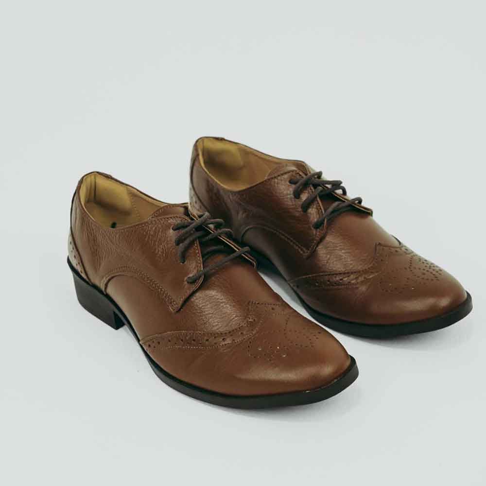 Sapato Oxford bico redondo c/ detalhes em laser