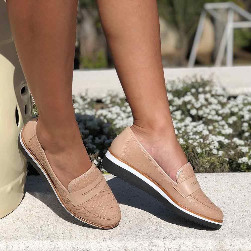 Sapato Oxford sola baixa bico fino