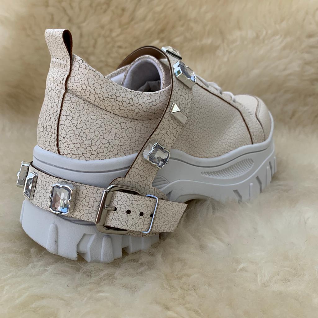 Sapato sapatênis chunky c/ tiras com pedras