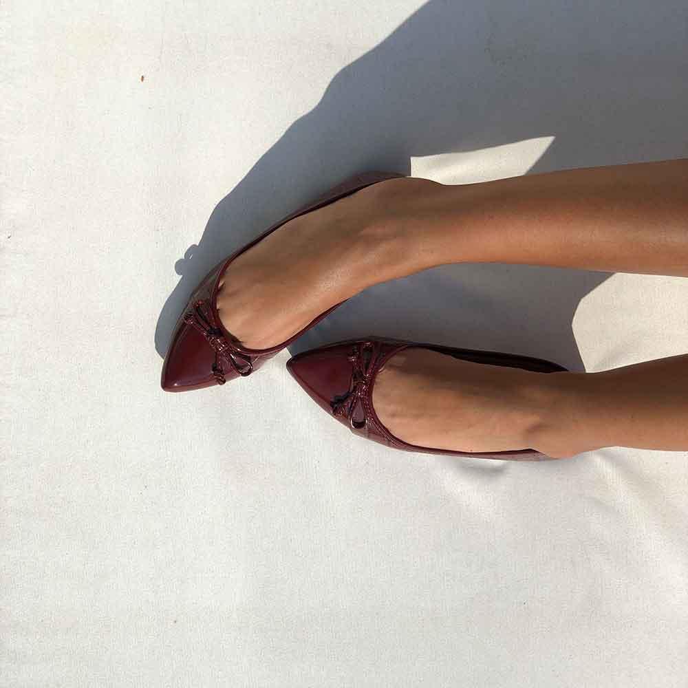 Sapato sapatilha bico fino c/ detalhe laço