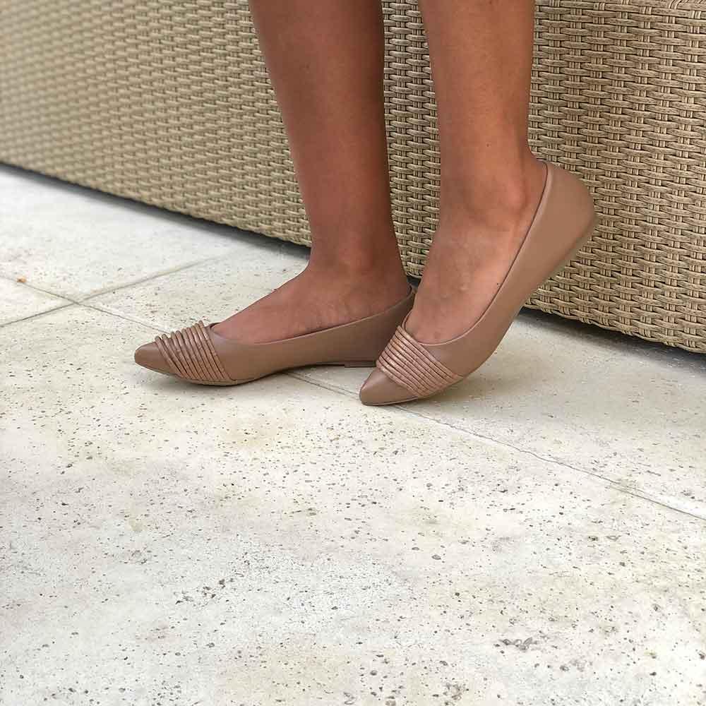 Sapato Sapatilha bico fino com detalhe em tiras finas