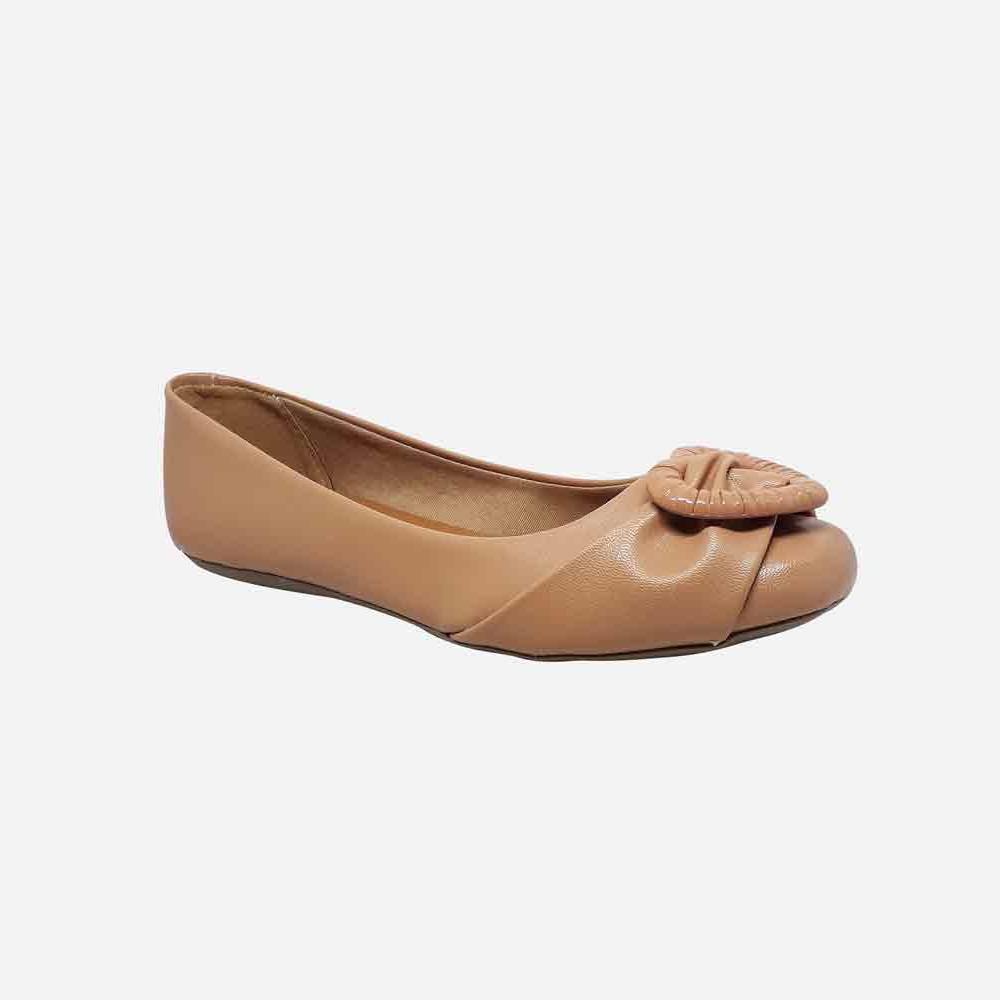 Sapato sapatilha bico quadrado com enfeite coração