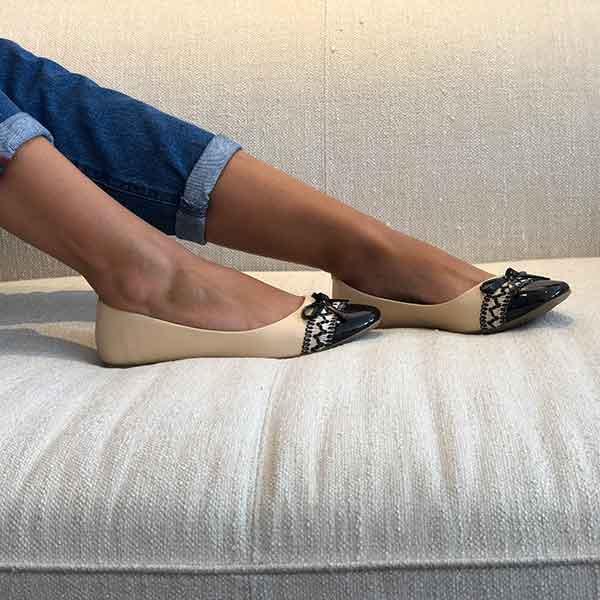 Sapato sapatilha bico quadrado c/ detalhe laço