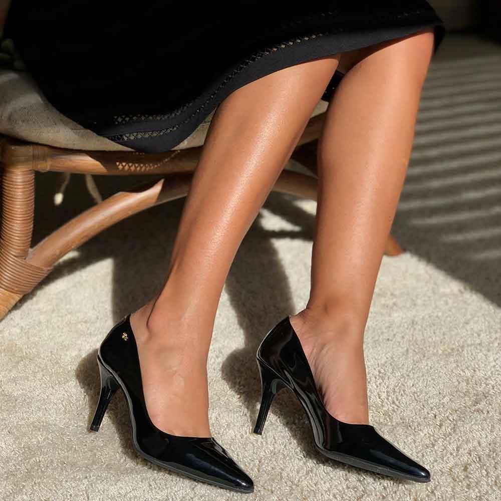 Sapato Scapin salto médio fino bico fino