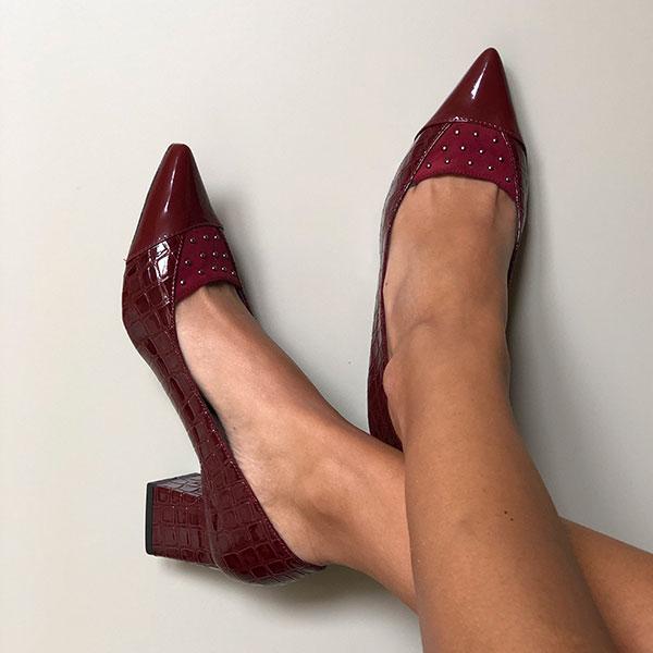 Sapato Scarpin bico fino salto grosso