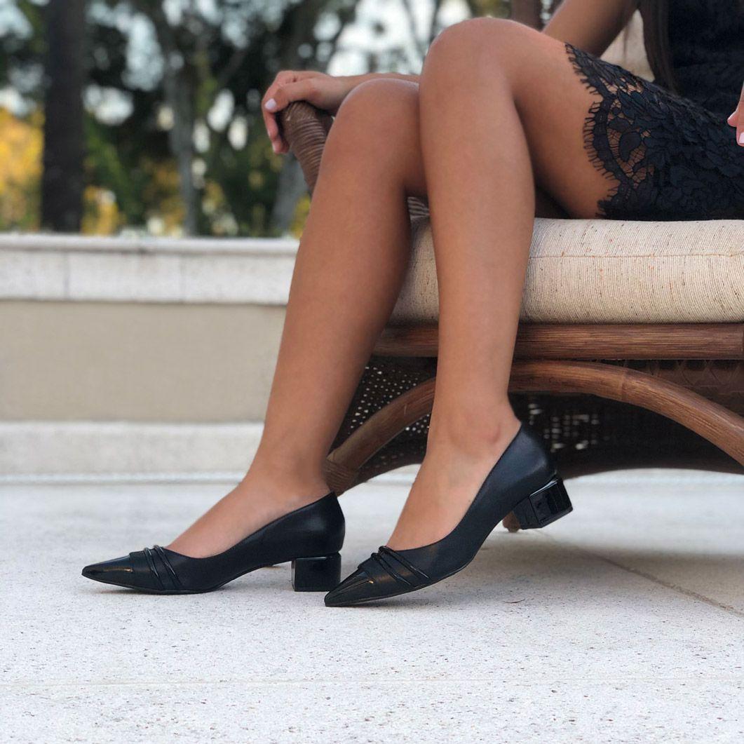 Sapato Scarpin bico fino salto grosso baixo