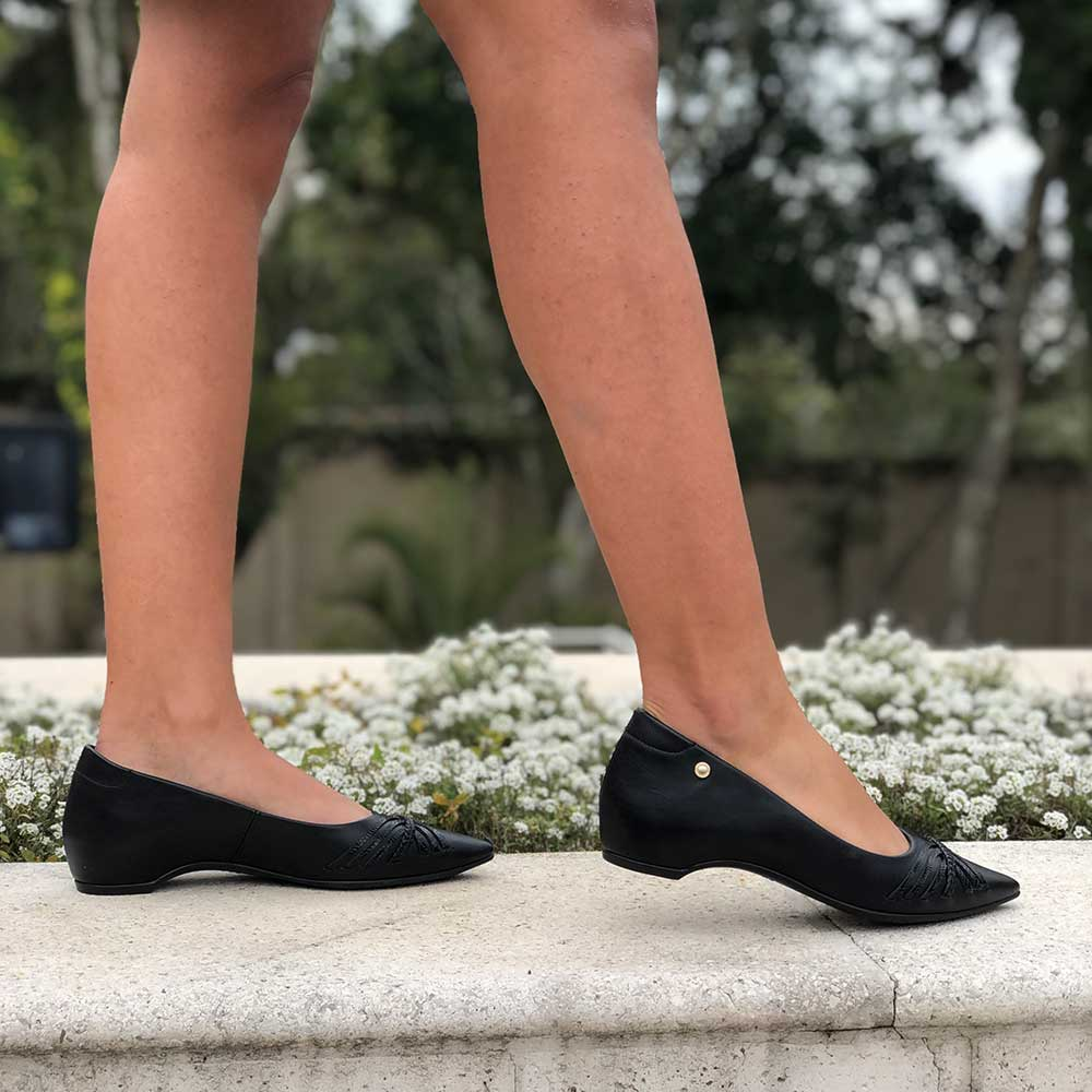 Sapato Scarpin bico redondo salto baixo