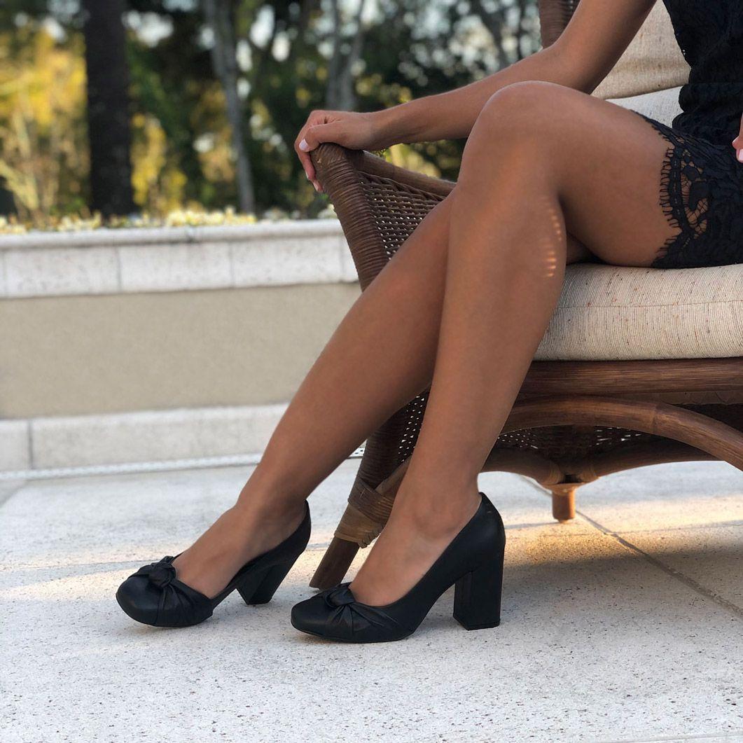 Sapato Scarpin bico redondo salto grosso médio