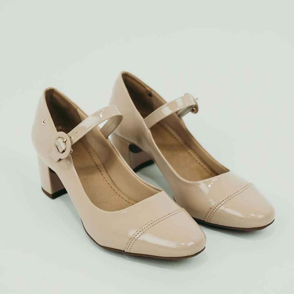 Sapato Scarpin bicofino salto grosso baixo