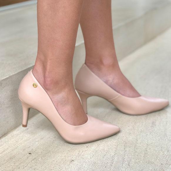 Sapato scarpin clássico bico fino