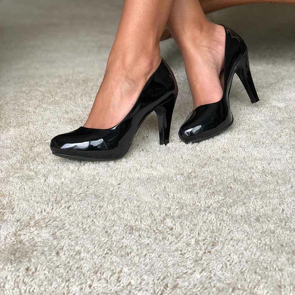 Sapato Scarpin meia pata salto alto bico fino
