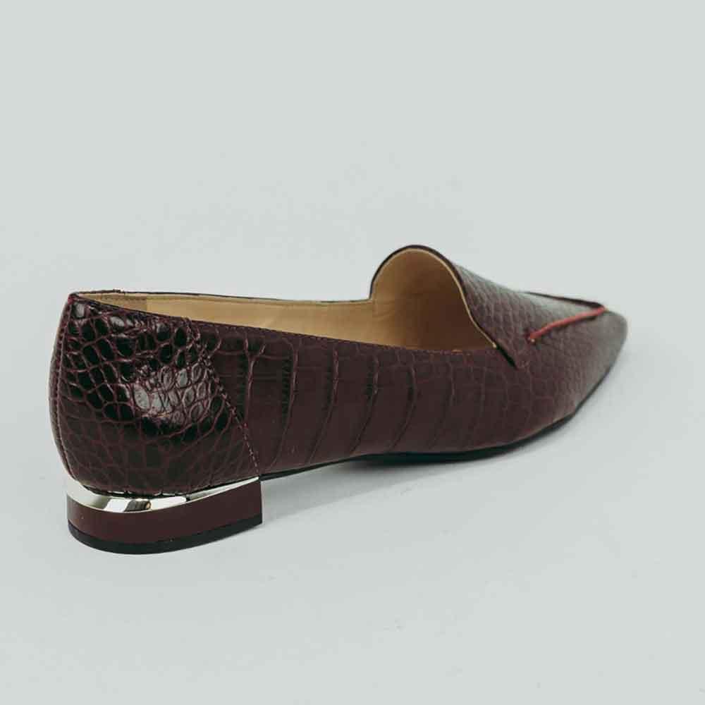 Sapato Scarpin salto baixo grosso bico fino