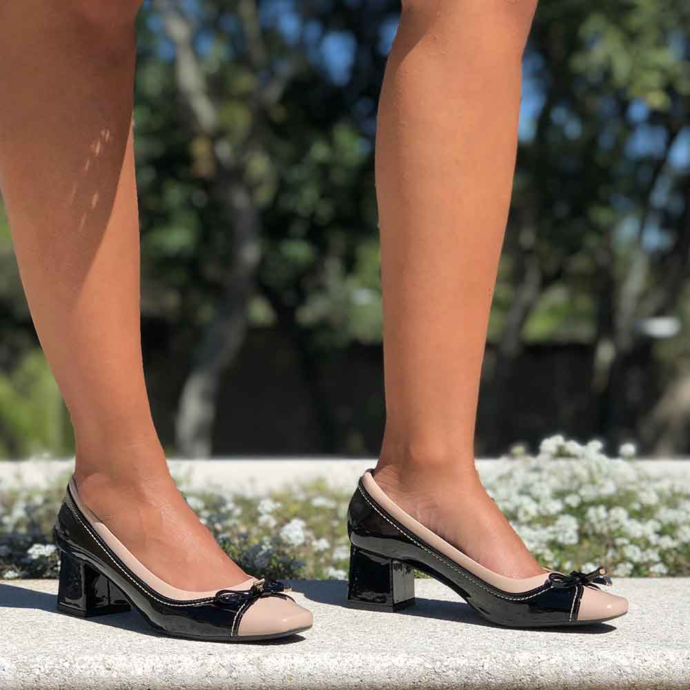 Sapato Scarpin salto baixo grosso bico quadrado