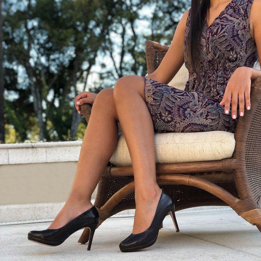 Sapato Scarpin salto fino alto meia pata