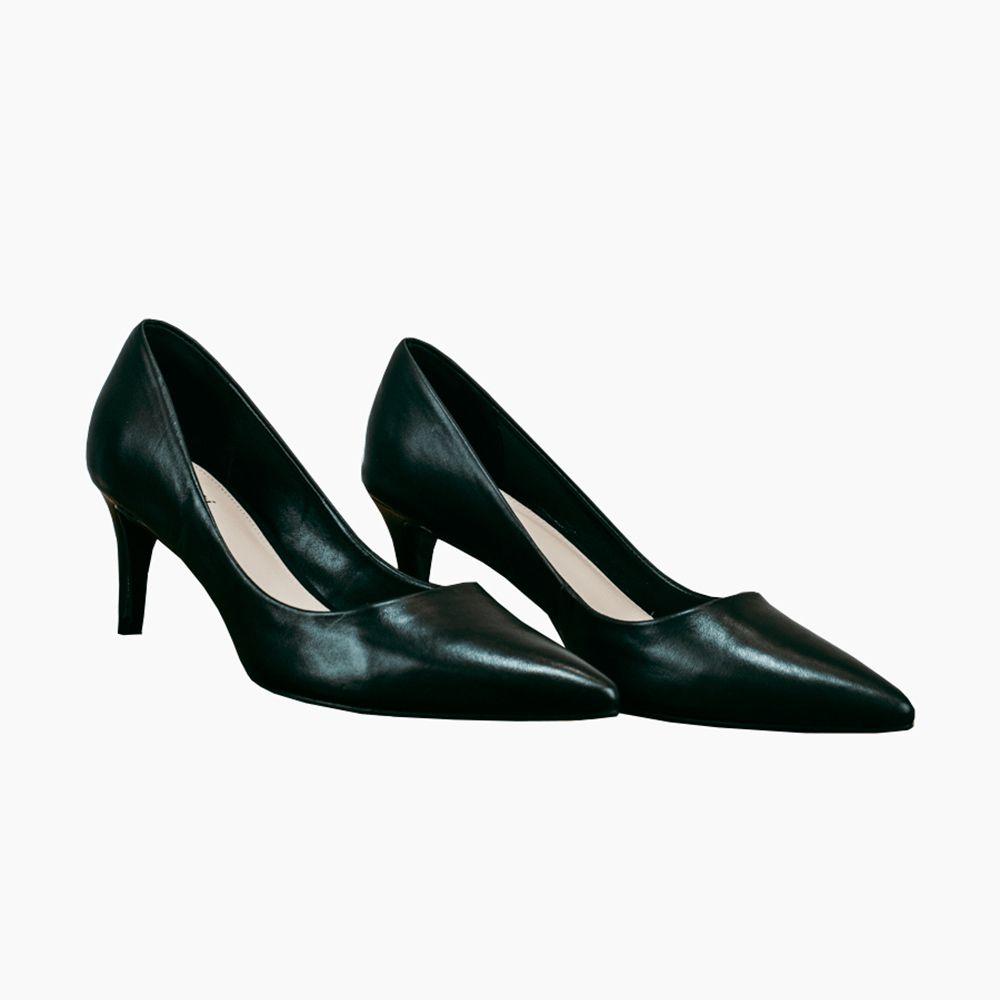 Sapato Scarpin salto fino baixo bico fino