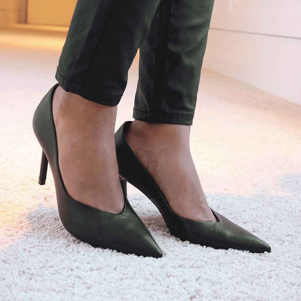 Sapato Scarpin salto fino bico fino