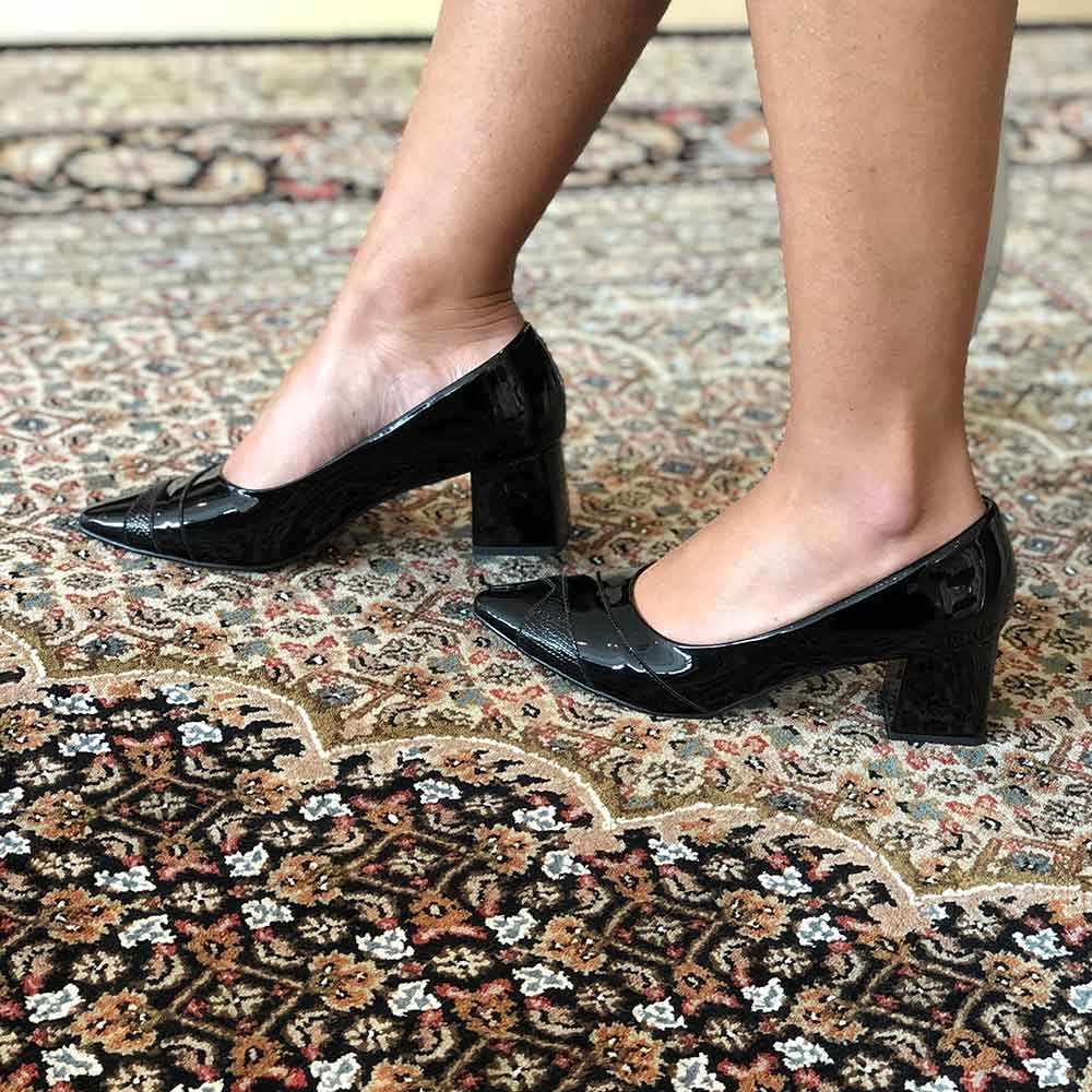 Sapato Scarpin salto médio