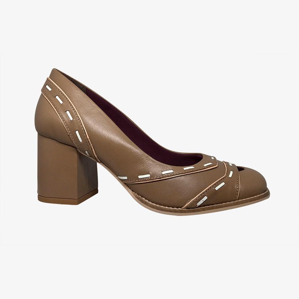 Sapato Scarpin salto médio grosso