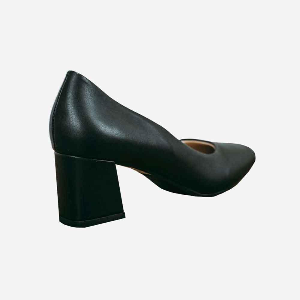 Sapato Scarpin salto médio grosso bico quadrado