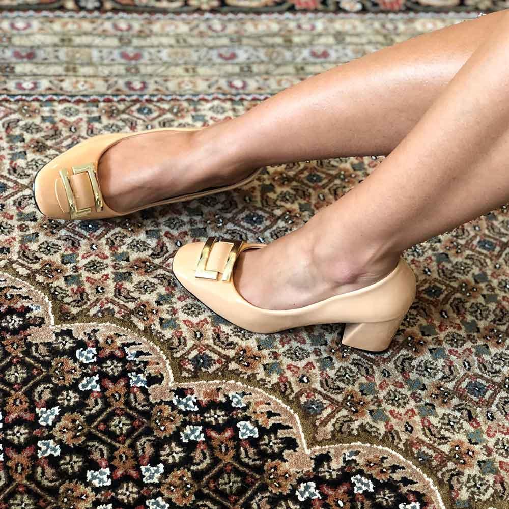 Sapato Scarpin Salto Médio Grosso Bico redondo